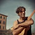 """Venerdì 24 febbraio all'Obihall (Ex Saschall) di Firenze. Musica, poesia e ironia. Il cantautore livornese presenta il nuovo album, a due anni dal successo di """"Per amore del cielo""""."""
