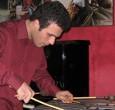Mercoledì 28 novembre all'ExWide di Pisa. Il percussionista e vibrafonista a fianco della house band. Dedicato a Lee Konitz l'incontro con Francesco Martinelli che apre la serata. Aperitivo jazz.
