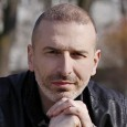 Domenica 14 aprile, Sala Vanni, Firenze. Spettacolo intimo e confidenziale in cui l'artista milanese ripercorre la sua carriera di autore e cantautore. Biglietto 15 euro.