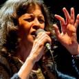 Sabato 5 aprile, Teatro Regina Margherita, Marcialla, Barberino Val D'elsa. La sorprendente vocalist ed il bassista Area rileggono i capisaldi della tradizione anglo-americana. I Colori del Jazz.