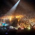 Sold out per Cremonini al Mandela. Il live a Firenze ha lasciato il segno anche per la foto su Instagram abbracciato ad Emma. Sarà amore? La recensione di Raffaella Galamini...