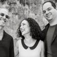 Sabato 2 aprile, ExWide, Pisa. Una voce toscana innamorata del Brasile. Due eccellenti musicisti brasiliani ormai di casa in Italia. Punto d'incontro la musica del Nordeste