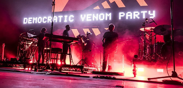 Domenica 24 luglio, Visarno Arena, Firenze. Elettronica, soul, hip hop. Da Bristol la band che ha cambiato i connotati al rock. Un live in cui non le mandano a dire
