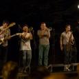 Martedì 9 agosto a Riparbella (PI) per Musicastrada la brass band di New York che miscela swing, jazz e rock & roll. Ingresso libero. I Rad Trads conquistano il pubblico...