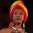 Sabato 24 settembre, Auditorium Flog, Firenze. Folk, jazz, soul e suoni della tradizione Wassoulou. La musica (ma anche la storia) di una straordinaria cantautrice. Sospesa tra Africa e Occidente